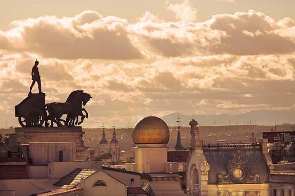 Atardece en Madrid sobre los tejados